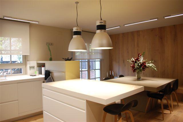 Iluminacion interior ba os - Iluminacion cocina led ...